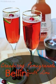 Cranberry Pomegranate Bellini with Lime | FOODIEaholic.com #recipe #beverage #mocktail #nonalcoholic #bellini #mixer #cranberry #pomegranate #lime