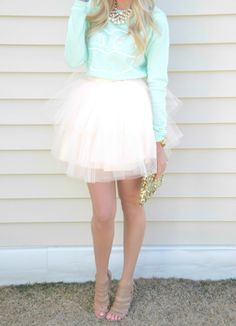 Spring / Summer - street chic style - party look - mint sweater or top + pale pink mini tulle skirt + nude heeled sandals Passion For Fashion, Love Fashion, Womens Fashion, Runway Fashion, Fashion Trends, Doll Style, Style Lolita, Look Rose, Dress Me Up