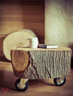 mesa feita de tronco de árvore !