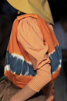 Alberta Ferretti at Milan Fashion Week Spring 2020 - Details Runway Photos Summer Handbags, Best Handbags, Fashion Week, New York Fashion, Milan Fashion, Alberta Ferretti, Tie Dye Fashion, Best Bags, New Bag