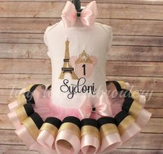 Check out this item in my Etsy shop https://www.etsy.com/listing/263963552/minnie-mouse-in-paris-birthday-outfit