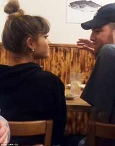 Ariana Grande and Mac Miller kiss in restaurant amid dating rumours - - The pair were spotted kissing at Katsu-Ya in the Encino neighbourhood of Los Angeles during a Sunday dinner. Mac Miller And Ariana Grande, Ariana Grande Mac, Barack Obama, Mac Miller Albums, Dangerous Woman Tour, Love And Hip, Responsive Layout, American Rappers, Queen