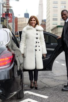 So Cool It Hurts: New York Fashion Week Fall 2016 Street Style - Carine Roitfeld in Louis Vuitton Fall 2015 coat - February 2016