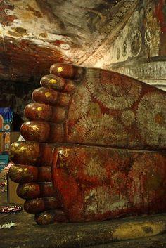 Feet of Buddha, Dambulla Cave Temple - Sri Lanka Laos, Sri Lanka Holidays, Reclining Buddha, Culture Travel, Asia Travel, Vietnam Travel, Places Around The World, Historical Sites, Foodie Travel