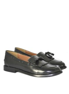 Leah Leather Loafer Product Code: CL5209 £49.99 https://www.stylistpick.com/carlton-london/shoes/leah-leather-loafer-33583