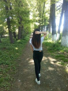 Teenage Girl Photography, Tumblr Photography, Girl Photography Poses, Best Photo Poses, Girl Photo Poses, Cute Girl Face, Cute Girl Photo, Girl Pictures, Girl Photos