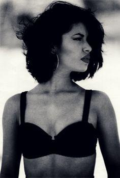 Selena in 1990: 19 years old