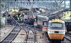 @Steelasophical Are you too an ole face of #Southall train crash