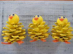 easter decorations 863002347330277017 - Chick Peeps, Pine Cone Easter Craft Ornament, Pine Cone Craft Decoration, Spring Peeps Küken guckt Pine Cone Ostern Handwerk Ornament von Source by novemberwallpaper Etsy Crafts, Decor Crafts, Diy And Crafts, Party Crafts, Nature Crafts, Easter Projects, Easter Crafts For Kids, Pine Cone Crafts For Kids, Pinecone Crafts Kids