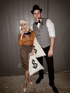 Scary Couples Halloween Costumes, Best Couples Costumes, Halloween 2020, Halloween Outfits, Halloween Diy, Halloween Recipe, Women Halloween, Halloween Games, Halloween Decorations