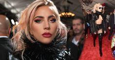 Lady Gaga não decepcionou, nem na performance nem na ousadia, com um look super sexy, todo inspirado em fetiche e com um toque de rockstar. Na make a cantora apostou em olho tudo, boca tudo, blush tudo. Nas sombras teve muito brilho em tons de vermelho, amarelo e branco, finalizando com o côncavo bem marcado em coral e cílios super alongados para completar.