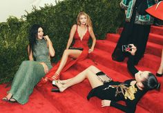 Met Gala 2015 Red Carpet Candids - Vogue.  Yeah, candid, okaaaaay.  Just another gala event, chilling w the gal pals, all good.
