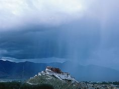 Dark Roasted Blend: Potala Palace in Tibet Tibet, Meditation Retreat, Place Of Worship, Beautiful World, Palace, Cool Photos, Around The Worlds, Earth, Nature