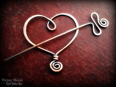 Copper Heart Brooch. Copper Wire Heart Shawl Pin for Valentine's Day.