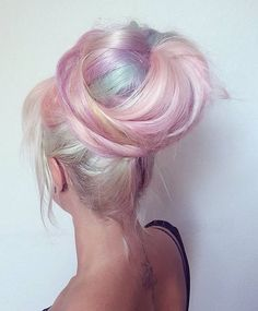 Find images and videos about girl, beautiful and hair on We Heart It - the app to get lost in what you love. Pastel Blue Hair, Mint Hair, Lavender Hair, Colorful Hair, Watercolour Hair, Color Fantasia, Cotton Candy Hair, Different Hair Colors, Hair Shows