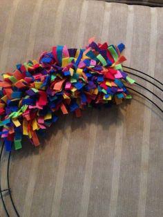 DIY birthday wreath using Felt strips. Can mix up up the colors for a fun affordable kid friendly Christmas or Halloween wreath. Felt Wreath, Fabric Wreath, Wreath Crafts, Diy Wreath, Felt Crafts, Wreath Ideas, Wreath Making, Balloon Wreath, Ribbon Wreath Tutorial