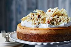 Pumpkin Cheesecake with white chocolate almond bark - someone needs to make this for me!