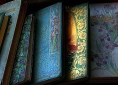 ❥ beautiful old books  http://flickrhivemind.net/Tags/tenebrific/Interesting