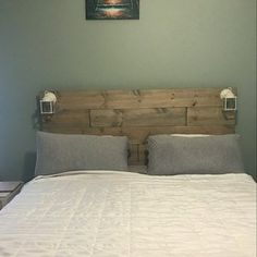 Items similar to Modern Wood Platform Bed frame with Cordoba headboard-Bernal on Etsy Rustic Platform Bed, Floating Platform Bed, Wood Platform Bed, Real Wood Furniture, Reclaimed Wood Furniture, Recycled Furniture, Diy Furniture, California King, Rustic Wood Headboard