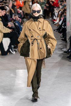 Sacai Fall 2019 Ready-to-Wear Fashion Show - Vogue Fashion Week, Winter Fashion, Guides De Style, Mode Man, Leopard Print Jacket, Mode Vintage, Fashion Show Collection, Models, Vogue Paris
