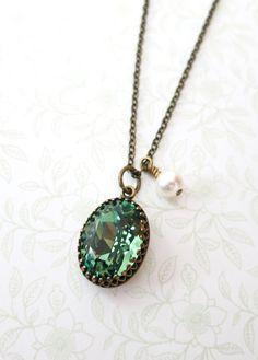 Erinite Green Crystal vintage brass necklace, Swarovski Crystal Oval Stone pendant necklace, dainty vintage bridesmaid necklace, www.glitzandlove.com