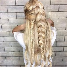 6 Sharing ideas: Women Hairstyles With Bangs Mom wedding hairstyles pakistani.Braided Hairstyles With Flowers women hairstyles hipster. Chic Hairstyles, Best Wedding Hairstyles, Hairstyles With Bangs, Pretty Hairstyles, Braided Hairstyles, Prom Hairstyles, Hairstyle Ideas, Vintage Hairstyles, Asymmetrical Hairstyles