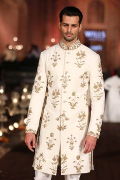 40 Top Indian Engagement Dresses for Men - Prom Dresses Design Indian Groom Dress, Wedding Dresses Men Indian, Wedding Dress Men, Indian Attire, Indian Outfits, Wedding Suits, Wedding Vows, Indian Wear, Wedding Things