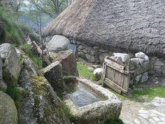 Fonte de água para Piornedo, em Cervantes, nas serras dos Ancares, província de Lugo, Galícia, Espanha.