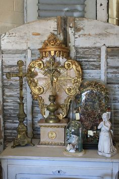I love the idea of having a reliquary in my new home.