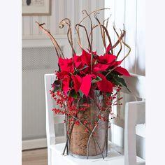 Decorer Un Vase Transparent #15: Quand-le-poinsettia-devient-creation-florale.jpg