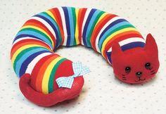 Eski Çoraptan Oyuncak Kedi Yapımı Eski çoraptan oyuncak kedi yapılışı ile ilgili yazımda sizlere kolay oyuncak yapımını anlatan resimli anlatım paylaşacağım.