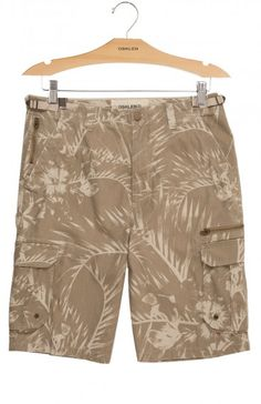 Osklen - BERMUDA CASUAL MASC EXPLORER HIBISCOS - bermudas - men Men's Shorts, Casual Shorts, Surf Wear, Resort 2017, Summer Shorts, Mens Suits, Joggers, Bermuda Shorts, Cool Outfits
