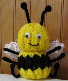 """""""Mr. Bee Happy"""" Knifty Knitter Flower Loom Pattern :Loom Lore: October 2009"""