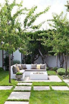 Fascinating Small Backyard Landscape Designs To Your Garden 31 Backyard Seating, Small Backyard Landscaping, Landscaping Design, Small Gardens, Outdoor Gardens, Courtyard Gardens, Buy Plants, Garden Design, Landscape Designs