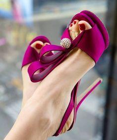 MINI-GUIA: Sapato de noiva colorido                                                                                                                                                                                 Mais