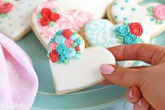 Looking for a great Valentine's Day sugar cookie recipe? These classic sugar cookies are decorated with royal icing in a variety of gorgeous Valentine's Day designs. They make wonderful edible gifts! Valentine's Day Sugar Cookies, Sugar Cookie Royal Icing, Fancy Cookies, Iced Cookies, Cupcake Cookies, Cookies Et Biscuits, Heart Cookies, Cupcakes, Owl Cookies
