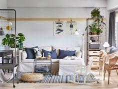 Un canapé contre un mur fait perdre moins de place