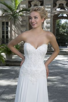 The Sincerity Bridal collection is designed for the charismatic and classic bride who wants the perfect princess dress fit for a fairytale wedding. Sincerity Bridal Wedding Dresses, Wedding Dresses For Sale, Wedding Dress Styles, Frack, Traditional Wedding Dresses, Bridal Boutique, Salons, Fashion Dresses, Romantic