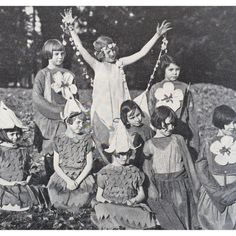 Wildflower children at a D. nature festival in Found 'em inside January issue of today… Butterfly Kids, Vintage Butterfly, Brooklyn Flea, Flower Costume, Mouse Traps, Happy Earth, Stay Gold, God Bless America, Antique Photos
