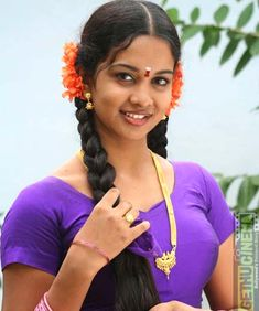Karthika says that she lost many offers because she refused to act in glamour roles — Entertainment Exclusive Photos Beautiful Girl In India, Beautiful Blonde Girl, Beautiful Girl Image, Beautiful Asian Girls, Indian Actress Hot Pics, Most Beautiful Indian Actress, Beautiful Actresses, Indian Girl Bikini, Indian Girls