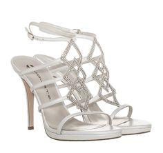 b6c71021b8be Οι 88 καλύτερες εικόνες του πίνακα Perfect Bridal Shoes    Νυφικά ...