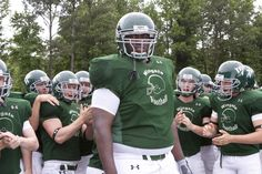 """""""The Blind Side"""" movie still, 2009. Quinton Aaron as Michael Oher. Michael Oher, Football Season, Football Team, Football Helmets, The Blind Side 2009, Football Movies, College Football Coaches, V&a Waterfront, Celebrity List"""