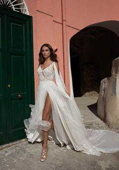 Courtesy of Maison Signore Wedding Dresses Seduction Collection; www.maisonsignore.it