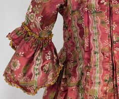 Early Eighteenth Century Fashion | 18th Century Clothing at Vintage Textile: #2019 Robe a la francaise