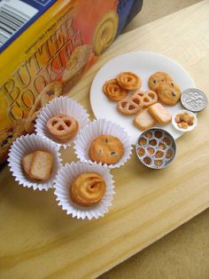 vs danish butter cookies by ~Snowfern on deviantART Danish Butter Cookies, Clay Food, Shaped Cookie, Mini Things, Mini Foods, Miniature Food, Ball Jointed Dolls, Dollhouse Miniatures, Diy Dollhouse