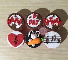 Cupcake de cumpleños. Cupcake de amor Cupcake de musica, musicales. Cupcake con conejo. Cupcake con corazon. Cupcake con mensaje