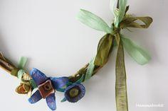 Ghirlanda di fine estate (con il cartone delle uova) – Egg Carton Flower Wreath