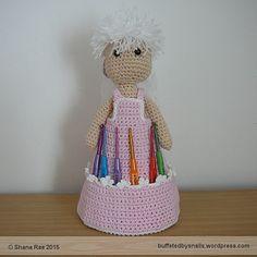 https://buffetedbysnails.wordpress.com/2015/05/25/shanas-crochet-hook-tidy/