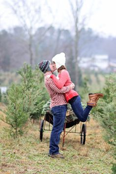 tree farm engagement session http://paigeknudsen.com/