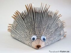Paper art – – – About Hair Folded Book Art, Book Folding, Paper Folding, Xmas Crafts, Book Crafts, Arts And Crafts, Paper Crafts, Recycled Books, Old Books